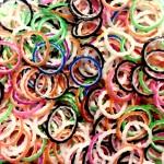 Рифленые двухцветные резинки для плетения браслетов (600 шт, цвет ассорти)