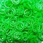Рифленые двухцветные резинки для плетения браслетов (600 шт, цвет зеленый с белым)