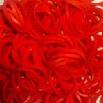 Резинки для плетения браслетов с запахом клубники (300 шт, цвет красный)